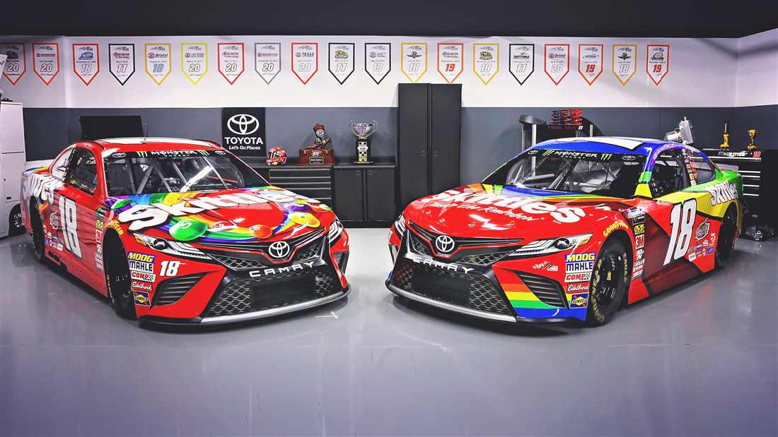Behind the scenes look at Kyle Busch 2018 Darlington paint ...
